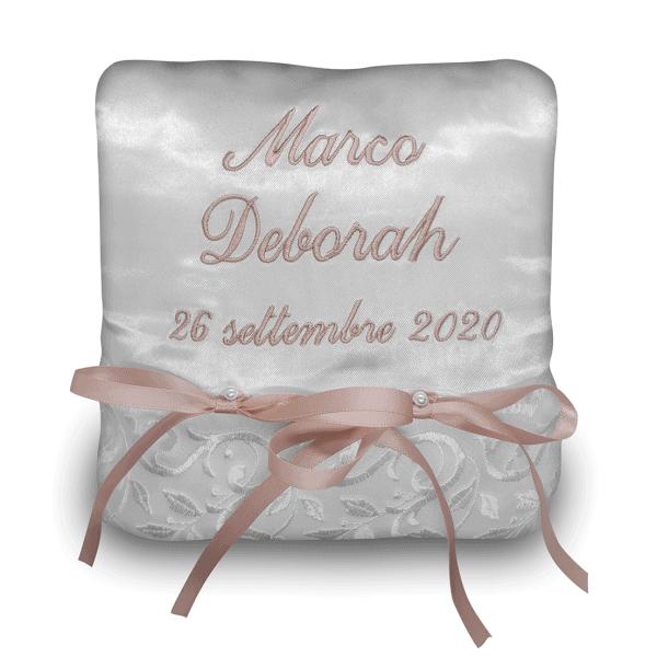 Cuscino portafedi personalizzato con nomi sposi e data del matrimonio - Quadrato raso organza