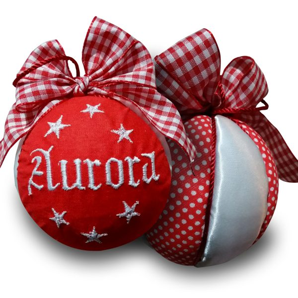 Pallina di Natale personalizzata con nome ricamato - www.crociedelzie.com