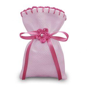 Sacchetti da ricamare a punto croce in tela aida colorata con rifinitura uncinetto e fiorellino